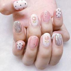 圆形粉色银色手绘花朵水波纹波点ins美图分享,想学美甲咨询微信mjbyxs6哦~美甲图片