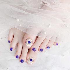 脚部紫色白色钻美甲图片