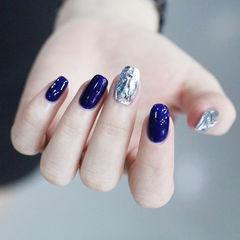 方圆形蓝色碎玻璃韩式美甲图片