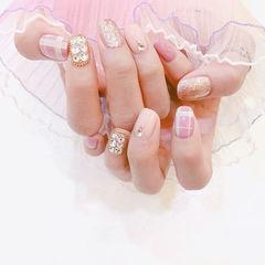 方圆形粉色裸色格纹钻美甲图片
