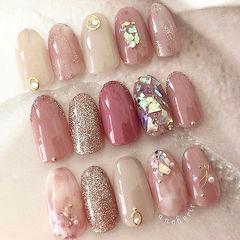 圆形粉色豆沙色金色晕染贝壳片美甲图片