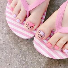 脚部粉色香芋紫色手绘可爱跳色美甲图片