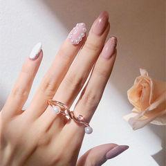 圆形粉色白色珍珠跳色简约美甲图片