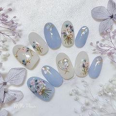 圆形蓝色白色干花贝壳片春天美甲图片