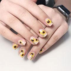 方圆形黄色裸色手绘花朵春天ins美图分享,想学美甲咨询微信mjbyxs6哦~美甲图片