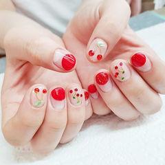 圆形红色水果樱桃钻圆法式美甲图片