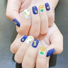 方圆形蓝色黄色绿色手绘水果金属饰品美甲图片