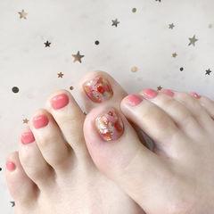 脚部粉色贝壳片金箔美甲图片