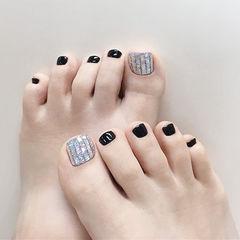 脚部黑色玻璃纸美甲图片