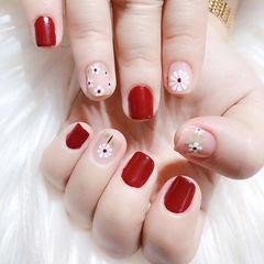 方圆形红色白色手绘花朵美甲图片