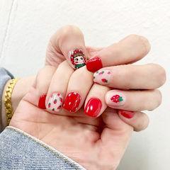 方圆形红色白色手绘草莓水果美甲图片