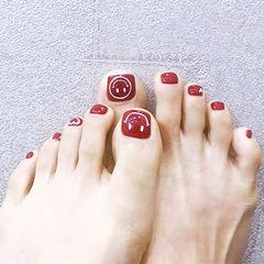 脚部红色笑脸美甲图片