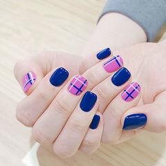 方圆形蓝色紫色线条美甲图片