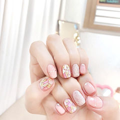 方圆形粉色银色金银线贝壳片美甲图片