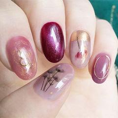 圆形粉色紫色手绘花朵跳色ins美图分享,想学美甲咨询微信mjbyxs6哦~美甲图片
