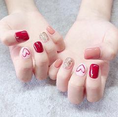 方圆形红色粉色金色手绘心形跳色美甲图片