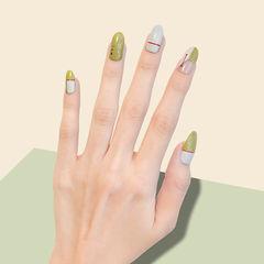 圆形绿色裸色手绘线条简约美甲图片