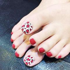 脚部红色白色手绘豹纹磨砂美甲图片