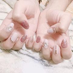 圆形粉色白色钻美甲图片