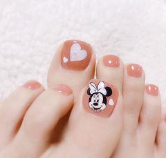 脚部粉色手绘心形米奇卡通可爱ins美图分享,想学美甲咨询微信mjbyxs6哦~美甲图片