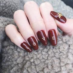 方圆形酒红色金属饰品美甲图片