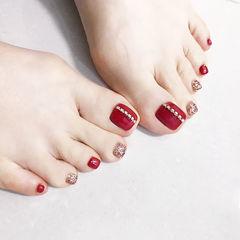 脚部红色银色钻显白新娘美甲图片