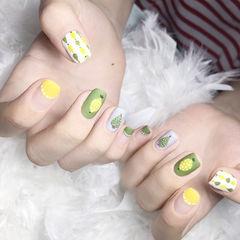 方圆形绿色黄色手绘水果圆法式磨砂美甲图片