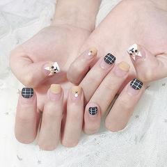 方圆形黑色裸色手绘小狗可爱圆法式磨砂美甲图片