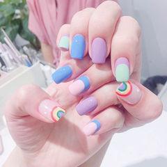 方圆形蓝色紫色绿色手绘彩虹夏天跳色美甲图片