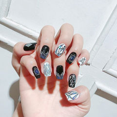 方形黑色白色菱形亮片手绘几何美甲图片