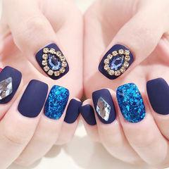 方圆形蓝色钻磨砂美甲图片