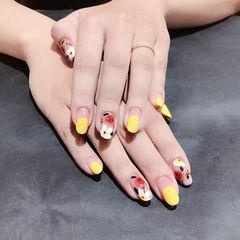 圆形黄色红色白色手绘花朵圆法式ins美图分享,想学美甲咨询微信mjbyxs6哦~美甲图片
