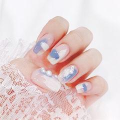 方圆形蓝色白色晕染珍珠ins美图分享,想学美甲咨询微信mjbyxs6哦~美甲图片
