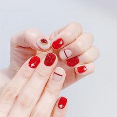 圆形红色裸色金银线钻短指甲美甲图片