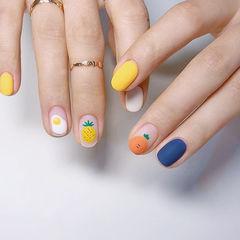 圆形橙色黄色蓝色手绘鸡蛋水果磨砂跳色美甲图片