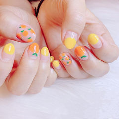 圆形黄色橙色手绘水果圆法式夏天ins美图分享,想学美甲咨询微信mjbyxs6哦~美甲图片