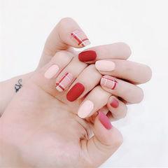 圆形红色白色格纹磨砂美甲图片