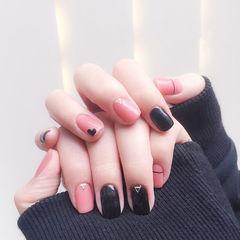 方圆形粉色黑色线条心形跳色ins美图分享,想学美甲咨询微信mjbyxs6哦~美甲图片