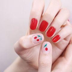 圆形红色手绘花朵新娘ins美图分享,想学美甲咨询微信mjbyxs6哦~美甲图片