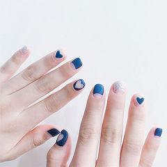 圆形蓝色银色心形反法式磨砂短指甲ins美图分享,想学美甲咨询微信mjbyxs6哦~美甲图片