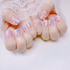 方圆形粉色蓝色白色法式亮片ins美图分享,想学美甲咨询微信mjbyxs6哦~美甲图片