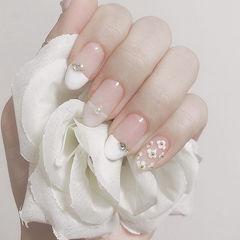 圆形白色裸色钻亮片平法式新娘上班族美甲图片