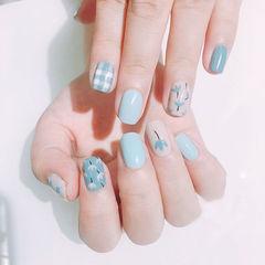 方圆形蓝色白色手绘花朵格纹ins美图分享,想学美甲咨询微信mjbyxs6哦~美甲图片
