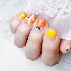 方圆形黄色橙色手绘水果圆法式夏天美甲图片