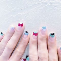 方圆形红色蓝色绿色黑色手绘花朵法式ins美图分享,想学美甲咨询微信mjbyxs6哦~美甲图片