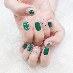 方圆形绿色裸色格纹笑脸亮片美甲图片