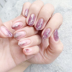 圆形粉色紫色晕染银箔ins美图分享,想学美甲咨询微信mjbyxs6哦~美甲图片