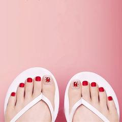 脚部红色钻磨砂新娘显白美甲图片