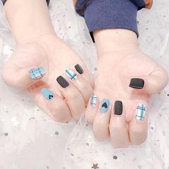 方圆形蓝色黑色格纹心形磨砂ins美图分享,想学美甲咨询微信mjbyxs6哦~美甲图片