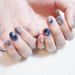 圆形蓝色灰色晕染银箔ins美图分享,想学美甲咨询微信mjbyxs6哦~美甲图片